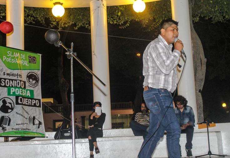 slam_poetry_reporteros_infiltra2_perú